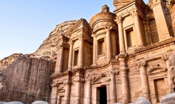 Un-instant-magique-dans-la-cite-nabateenne-de-Petra-Planetveo