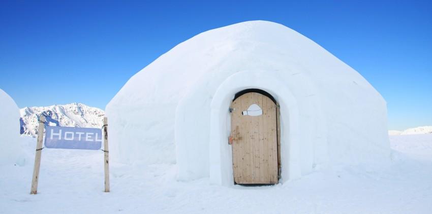 Des nuits la t te dans les toiles blog du voyage personnalis marco vasco - Dormir dans un igloo ...