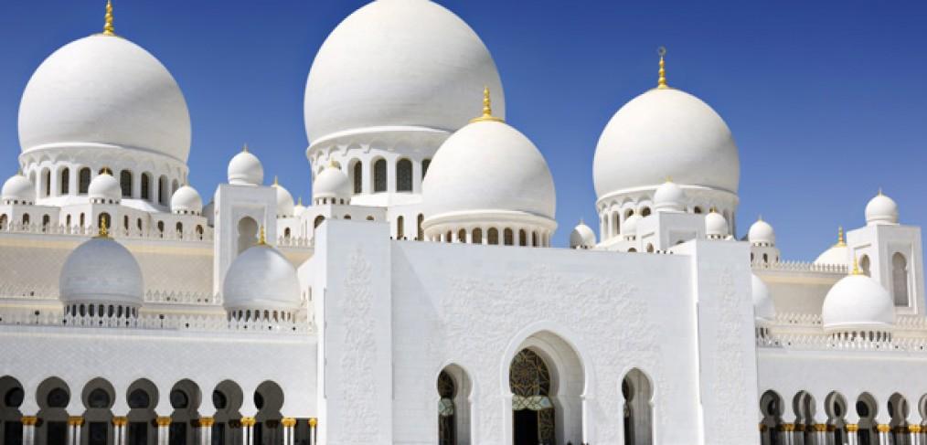 La-Grande-Mosquee-Sheikh-Zayed-le-joyau-etincelant-Abu-Dhabi