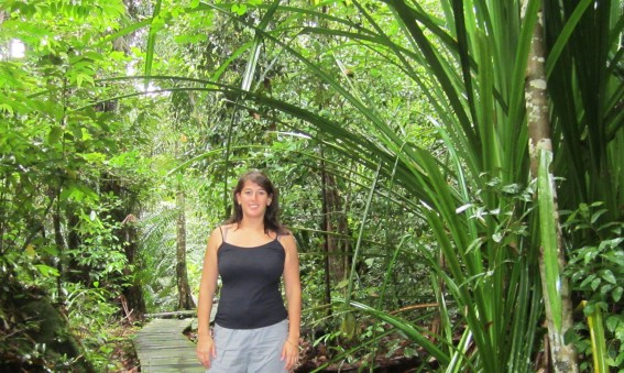 Melinda lors d'un voyage en Malaisie