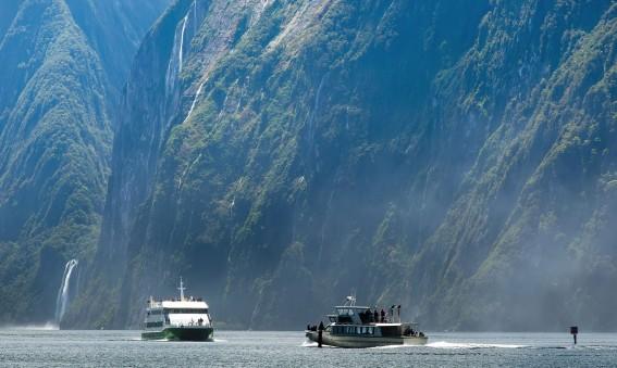 Croisière dans le fjord de Milford Sound en Nouvelle Zélande
